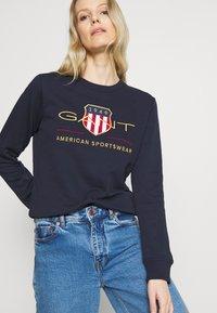 GANT - ARCHIVE SHIELD  - Sweatshirt - blue - 3