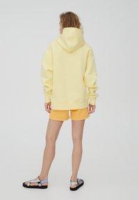 PULL&BEAR - Huppari - mottled light yellow - 2