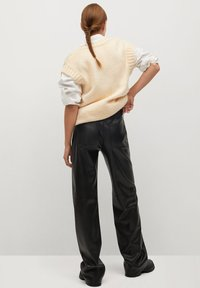 Mango - HIGH - Trousers - zwart - 2
