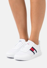 Tommy Jeans - TECHNICAL  - Joggesko - white - 0