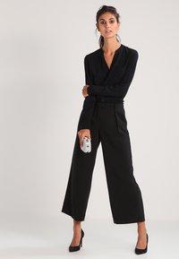 Zalando Essentials - Button-down blouse - black - 1