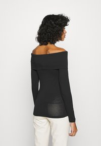 Vero Moda - VMPANDA OFF SHOULDER - Long sleeved top - black - 2