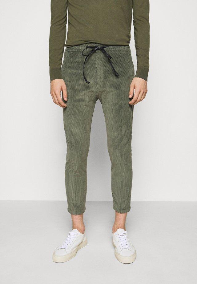 JEGER - Pantalon classique - grün