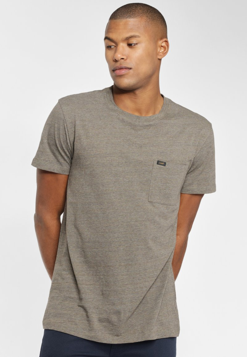 Lee - ULTIMATE POCKET TEE - T-shirt basic - utility green