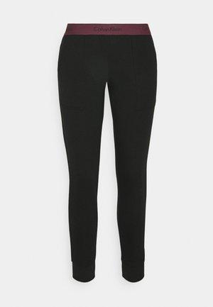 MODERN LOUNGE JOGGER - Pyjama bottoms - black/ripe berry