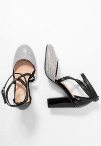 Wallis - CURTIS - High heels - black/white - 3