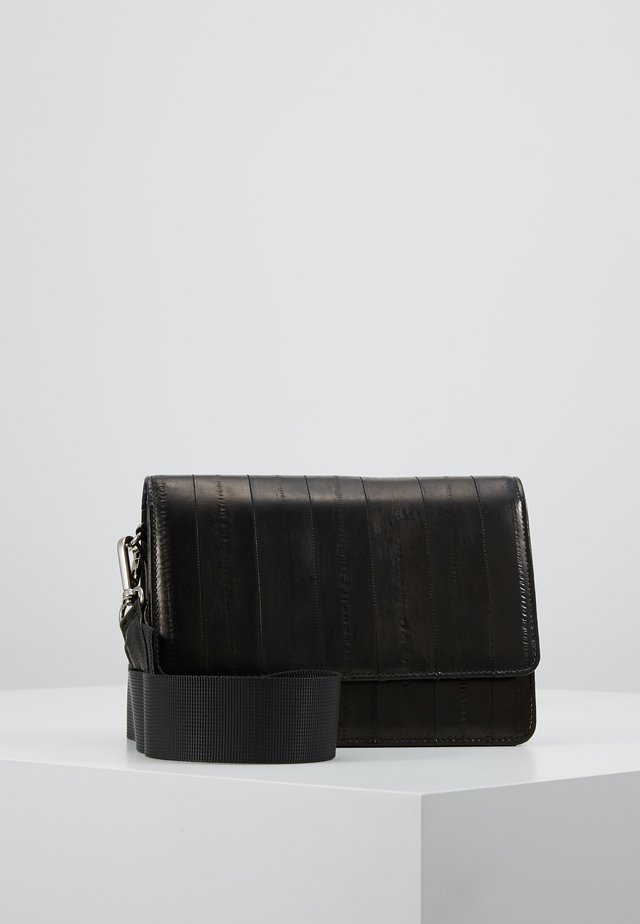 ELLE SHELLY BAG - Axelremsväska - black