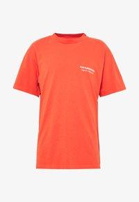 BOXY TEE - Triko spotiskem - orange