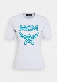 MCM - CLASSIC CREW - Print T-shirt - light blue - 3