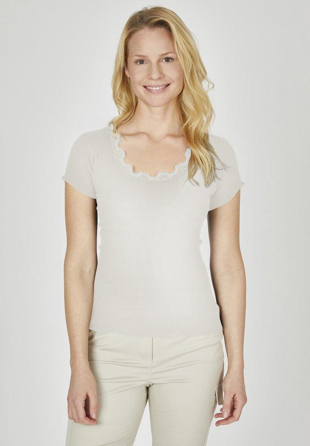 VANESSA - Print T-shirt - offwhite