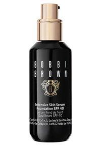 Bobbi Brown - INTENSIVE SKIN SERUM FOUNDATION - Foundation - c-026 cool ivory - 0
