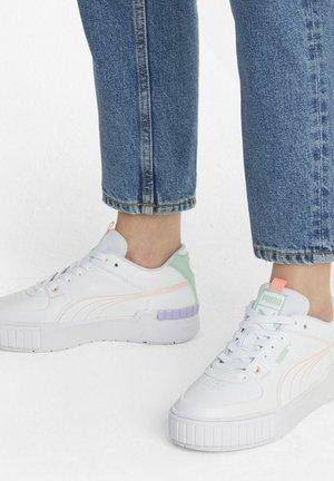 CALI SPORT PASTEL  - Sneakers laag - white/elektro peach