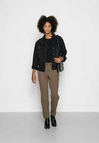Marc O'Polo - PANTS, TRAVEL PANTS, MID RISE, TAPERED LEG, CUTLINES, DEM DETAIL - Trousers - nutshell brown - 1
