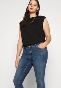 Zizzi - AMY - Jeans Skinny Fit - blue denim - 4