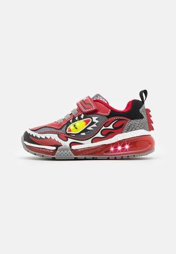 BAYONYC BOY - Sneaker low - red/grey