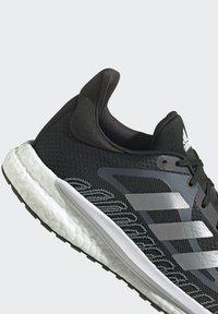 adidas Performance - SOLAR GLIDE 3 BOOST PRIMEGREEN RUNNING REGULAR SHOES - Joggesko - black - 4