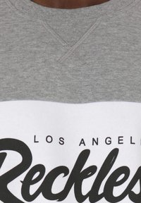 Young and Reckless - Sweater - black - 2