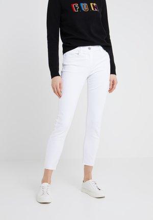 Straight leg jeans - white tear
