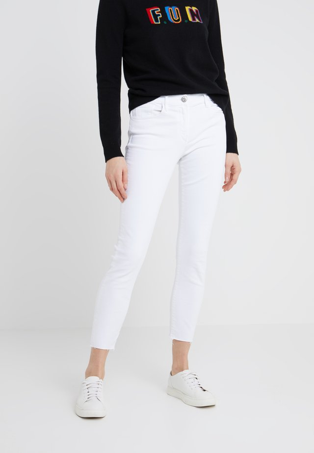 Jeans Straight Leg - white tear