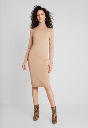 Pletené šaty - sand
