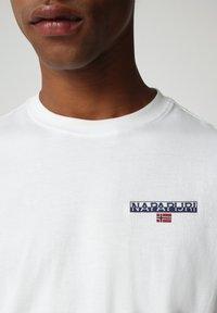 Napapijri - S-ICE SS - Print T-shirt - bright white - 2