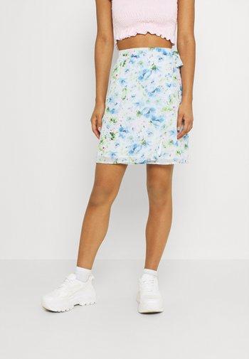 VIMAMU TIE WRAP SKIRT - Mini skirt - cloud dancer/water