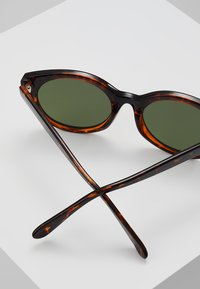 A.Kjærbede - BUTTERFLY - Sunglasses - brown - 3