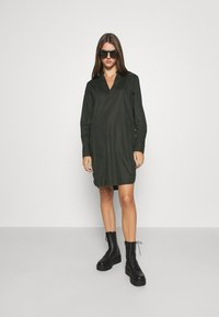 G-Star - MILARY V NECK SHIRT DRESS L\S - Day dress - raven - 1