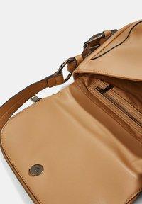 Esprit - Across body bag - camel - 4