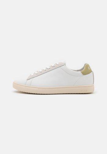 BRADLEY - Sneakers laag - white/sage green