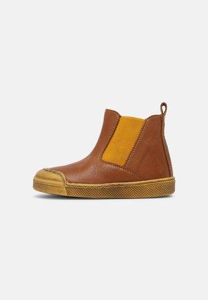 ROSARIO CHELYS - Classic ankle boots - cognac