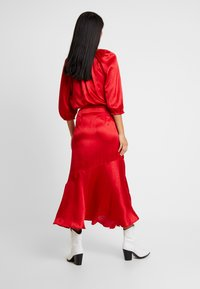 Soaked in Luxury - JYTTE SKIRT - Maksihame - barbados cherry - 2