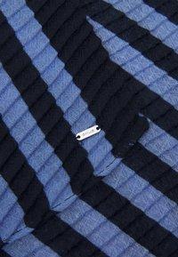 Opus - AIS SCARF - Szal - forever blue - 3