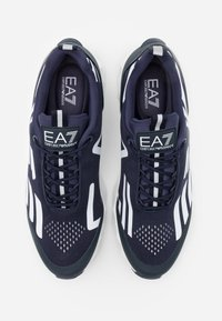 EA7 Emporio Armani - UNISEX - Sneakers basse - navy/white - 3