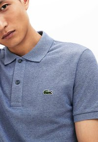 Lacoste - Polo shirt - bleu chine - 2