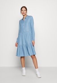 Moss Copenhagen - PHILIPPA DRESS - Spijkerjurk - light blue wash - 0