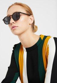Le Specs - TEEN SPIRIT DEUX - Sunglasses - matte - 1