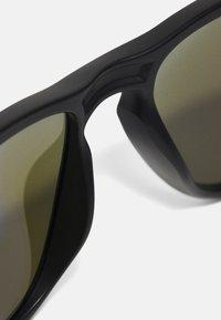 Oakley - SYLAS UNISEX - Sunglasses - matte black w/prizm sapphire polar - 4