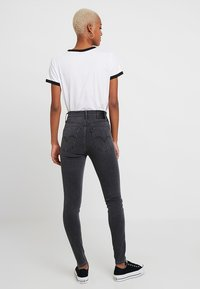 Levi's® - MILE HIGH SUPER SKINNY - Vaqueros pitillo - smoke show - 2