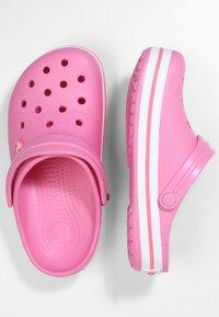 Crocs - CROCBAND RELAXED FIT - Sandalias planas - pink lemonade / white - 2