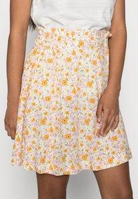 Selected Femme Petite - SLFMILLY SHORT SKIRT - Mini skirt - sandshell - 3