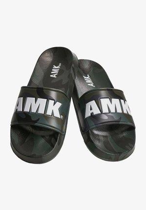 SOLDIER AMK  - Pool slides - dark green camo