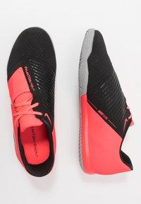 Nike Performance - PHANTOM ACADEMY IC - Indoor football boots - laser crimson/metallic silver/black - 1