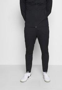 Nike Performance - DRY ACADEMY SUIT SET - Trainingspak - black/black/black - 3