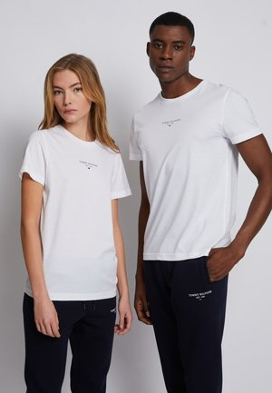 LOGO TEE UNISEX - T-shirt z nadrukiem - white