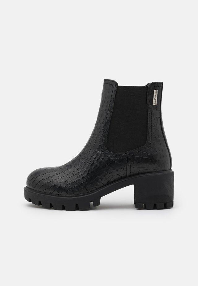 ZANGE - Kotníkové boty na platformě - noir