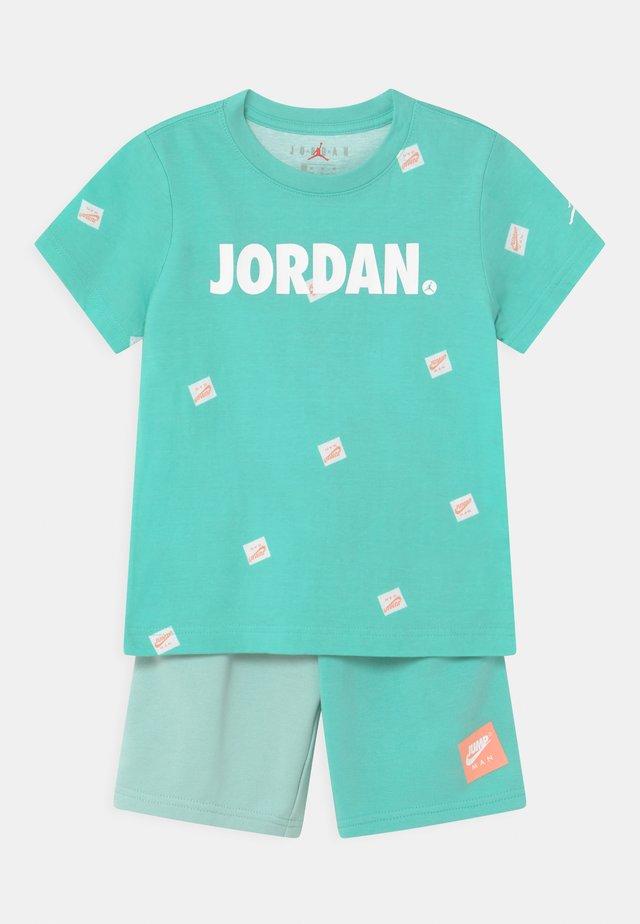 JUMPMAN SET - T-shirt imprimé - tropical twist