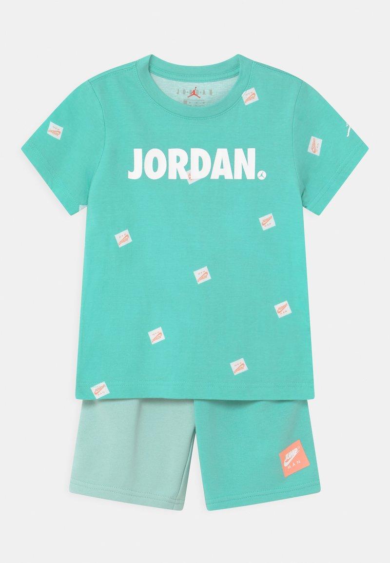Jordan - JUMPMAN SET - Print T-shirt - tropical twist