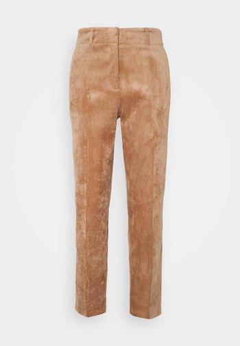 Pantalones - chocolate