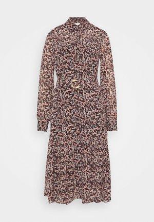 DAINTY  - Shirt dress - dark ruby